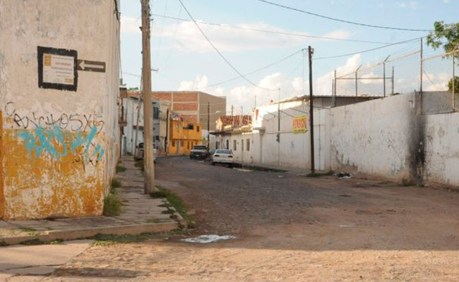 "Calles céntricas de León llevarían ""siglos"" sin pavimentar"