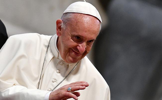 Papa Francisco impulsa libro de un monaguillo quien fue violado por un fraile