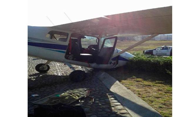 Cae avioneta en Atizapán; reportan ilesos a los tres tripulantes