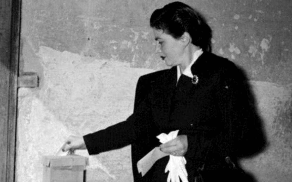 Se conmemoran 63 años del voto de la mujer en México