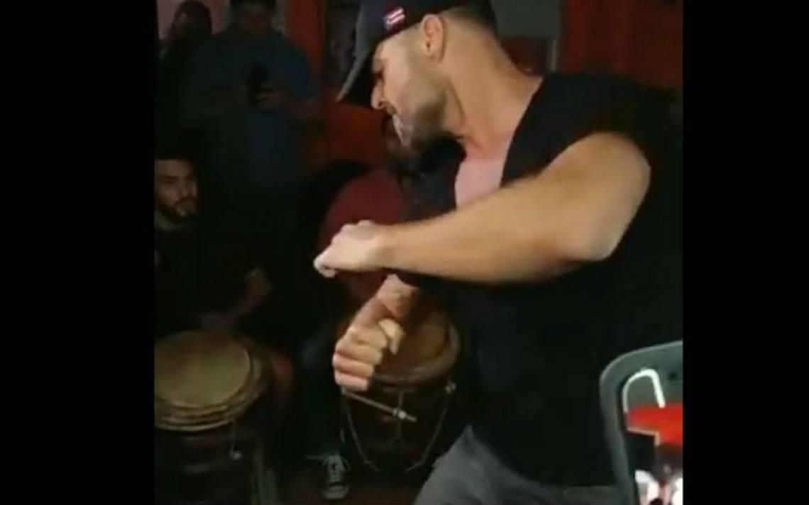 Ricky Martin sorprende y baila al son de la bomba en Puerto Rico