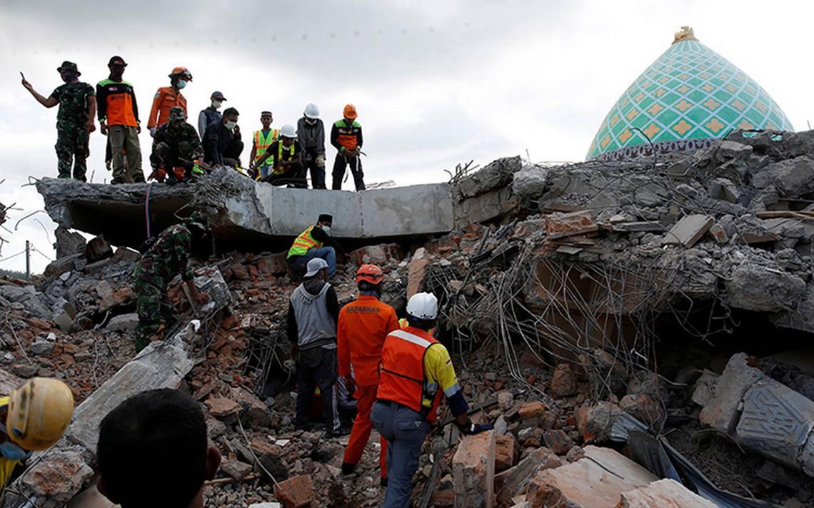 Ascienden a 145 los muertos tras terremoto en Indonesia