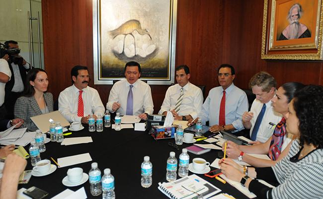 Osorio Chong y senadores definen estrategia de #OperaciónMonarca