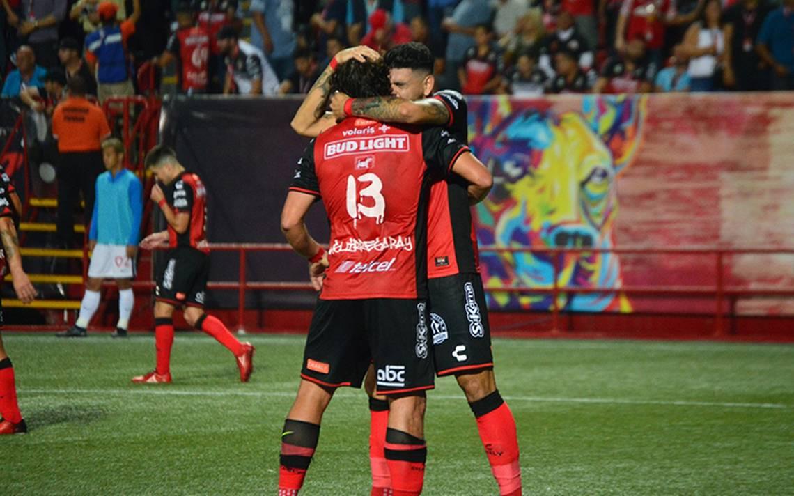 Xolos vence Pachuca 2-1
