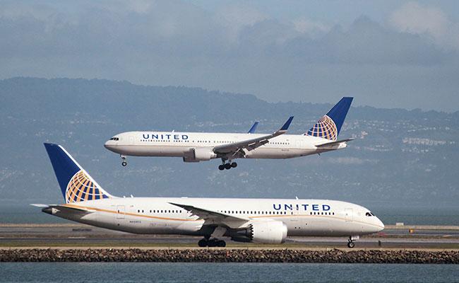 United Airlines se une a otras aerolíneas y cesa vuelos diarios a Venezuela