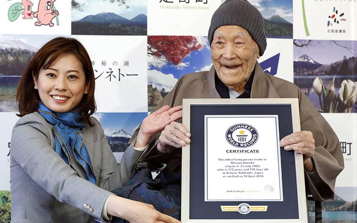 Hombre japonés se lleva récord del más longevo, ¡tiene 112 años!