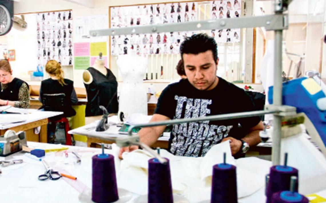 En recta final de su sexenio, Peña Nieto destaca creación de empleos