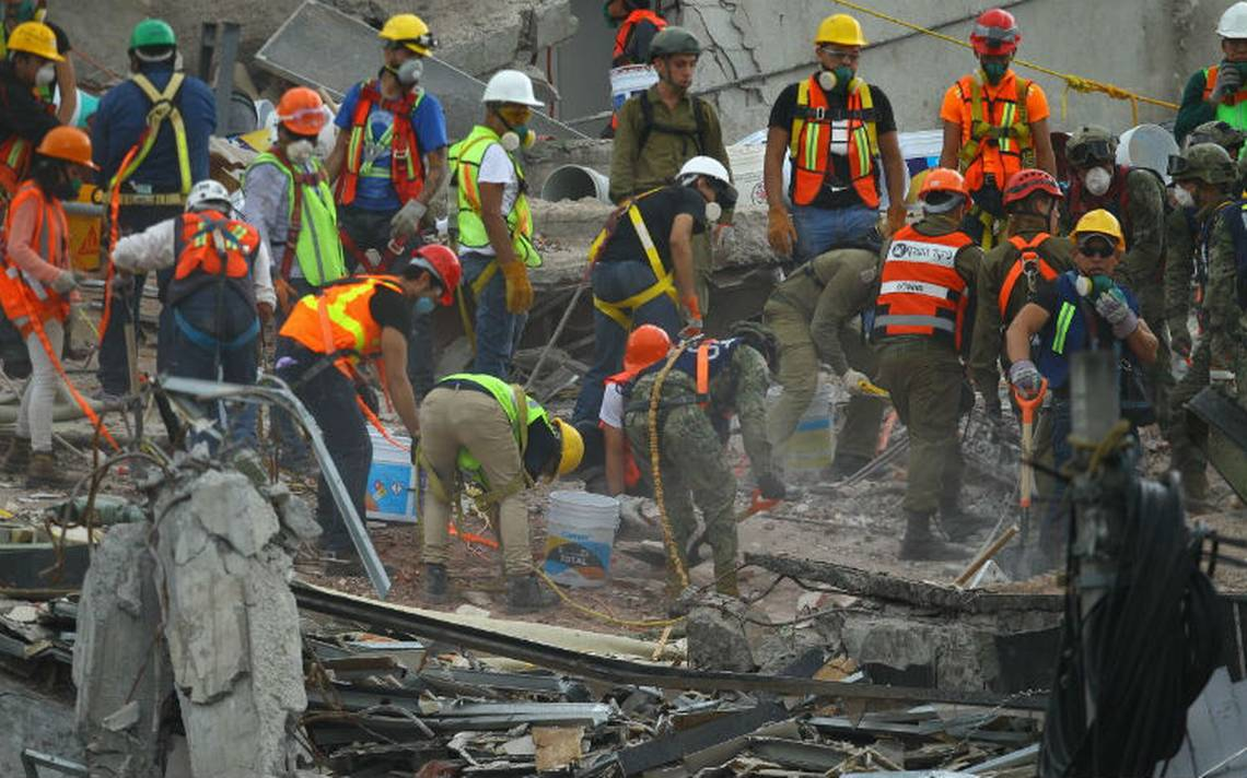Labores de rescate continúan en cinco zonas de derrumbe: Mancera