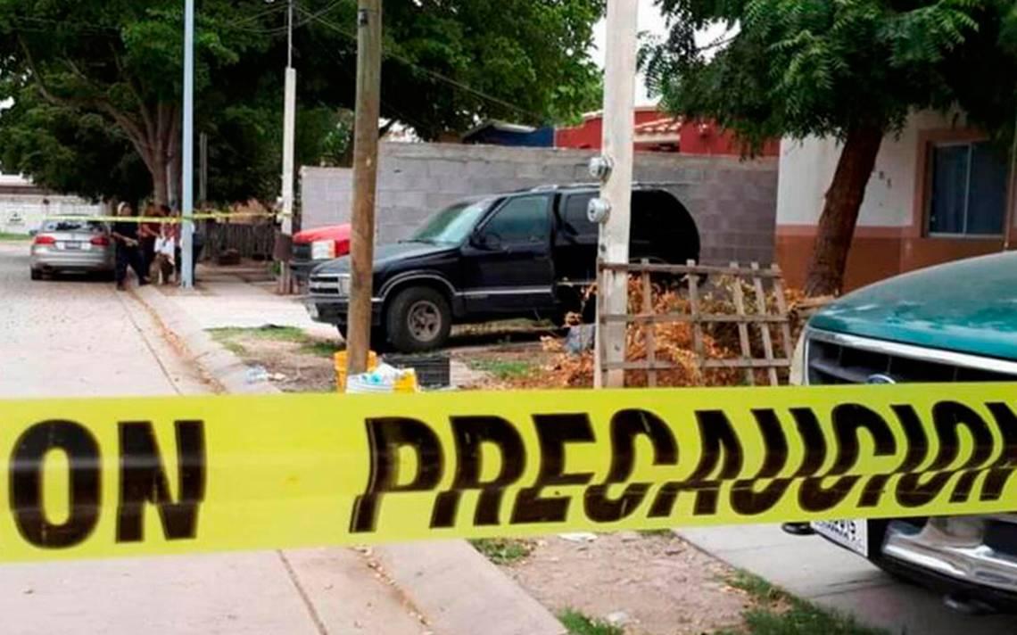 """Muere niña de dos años en una camioneta tras ser """"olvidada"""" por sus padres"""