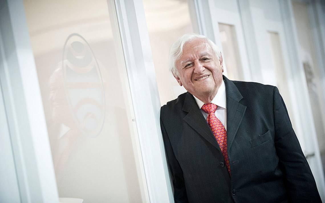 Armando Catón celebra 80 años de vida con un homenaje