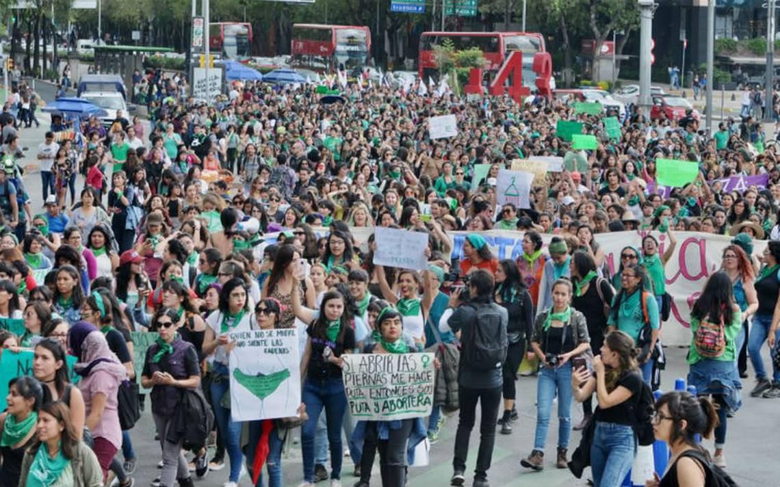 La marea verde llega a la CDMX: marchan a favor del aborto