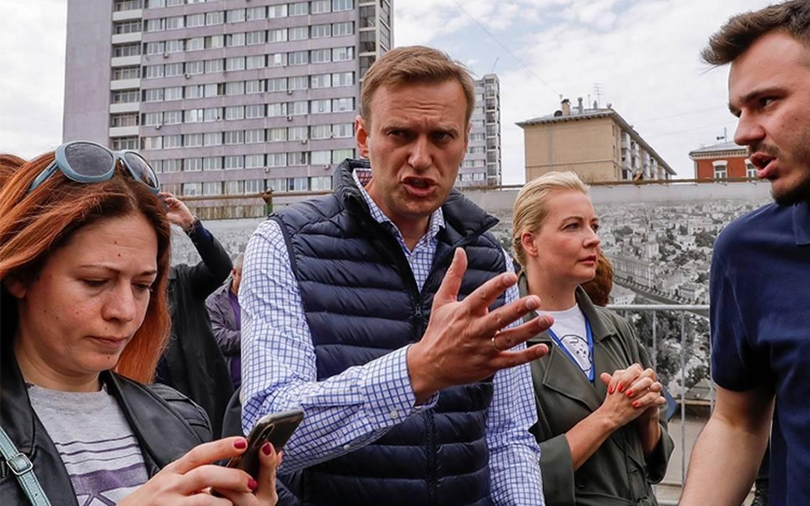 Detienen a opositor ruso Navalni en protesta contra Putin; hay más de 1,200 detenidos