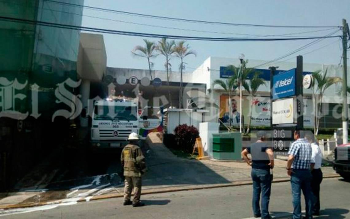 Momentos de pánico: se incendia casino en Córdoba y varios resultan intoxicados