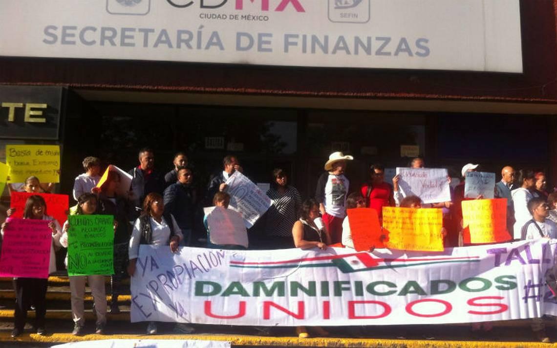 Damnificados del 19S se plantan frente a la Secretaría de Finanzas; piden liberar recursos