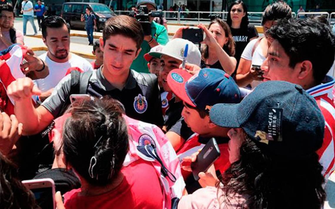 Chivas viajó a NY para su compromiso ante Red Bull