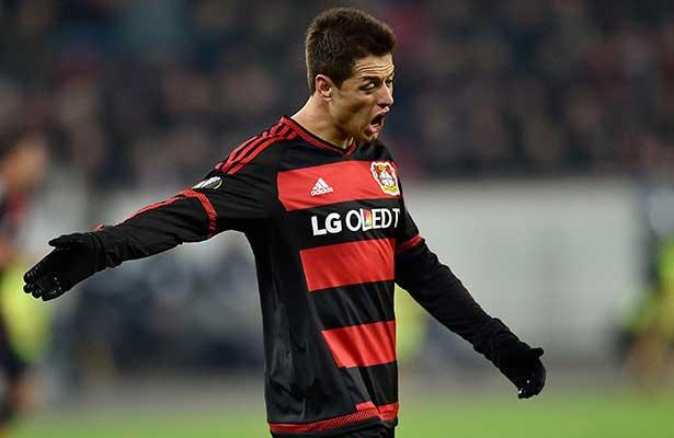 Chicharito Hernández será baja del Bayer Leverkusen por lesión