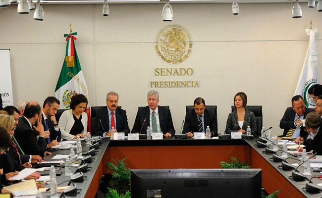 Oposición exige renuncia de Ruiz Esparza en SCT por socavón en Paso Express