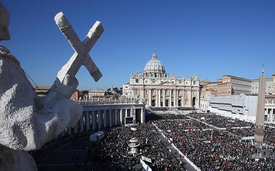 Vaticano procesará a sacerdote por posesión de pornografía infantil