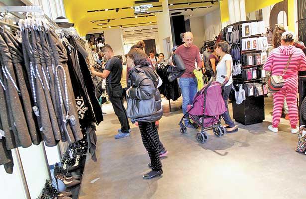 Consumo privado avanzó 4.1 por ciento en diciembre de acuerdo a reporte del INEGI