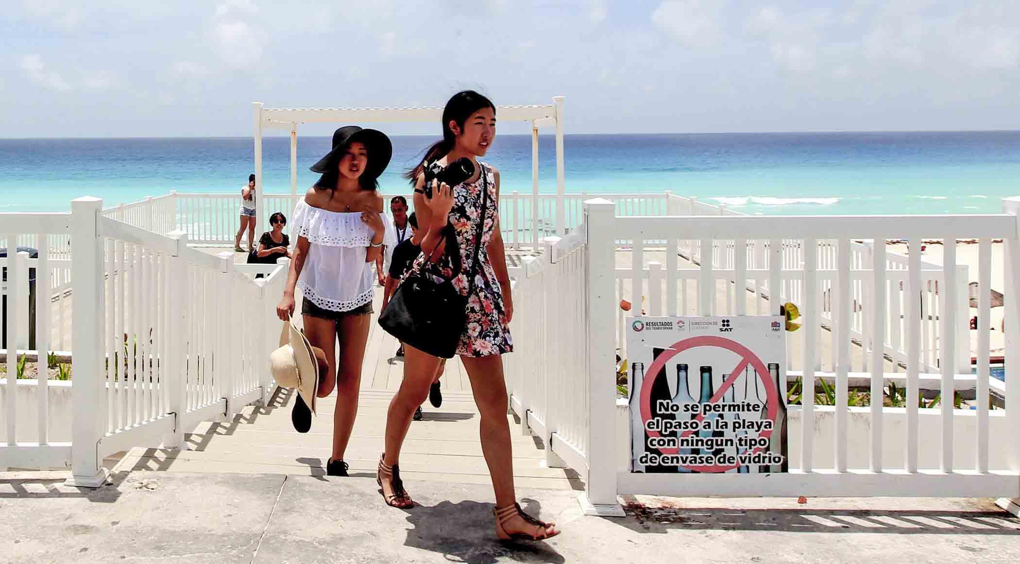 Policía de Cancún extorsiona a springbreakers