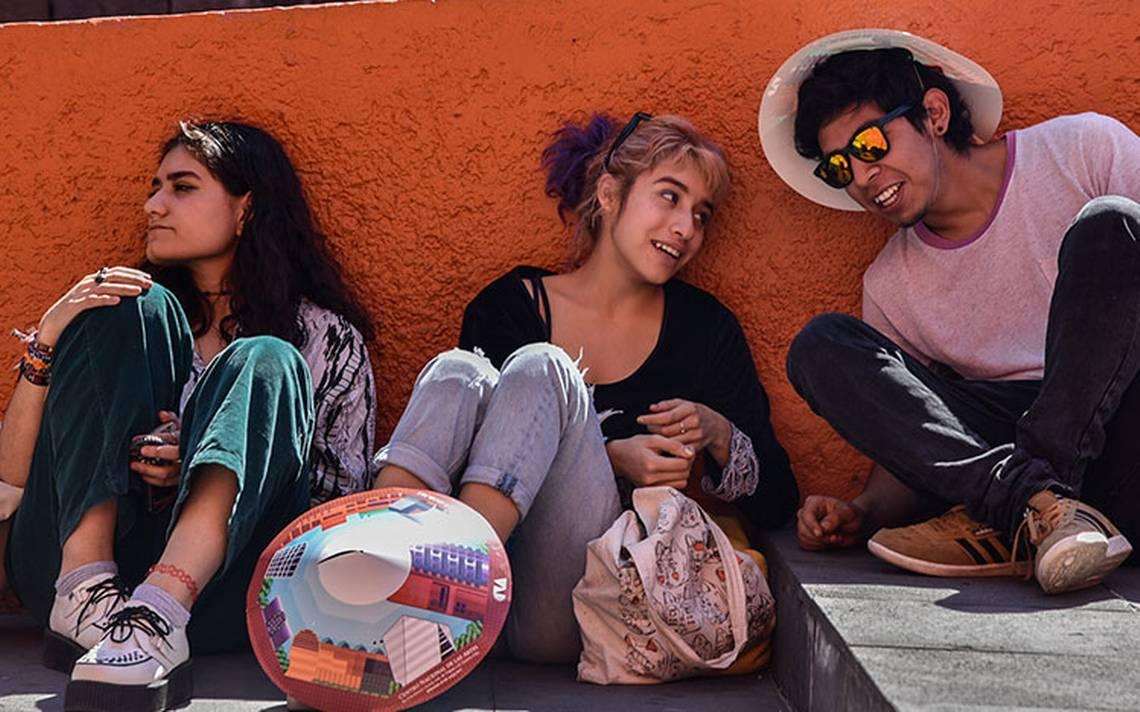 Universitarios gastan más en diversión que para libros: HSBC