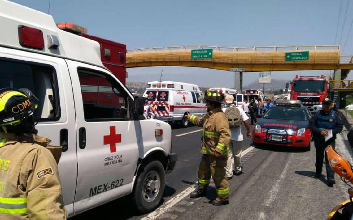 Choque múltiple en la México-Puebla deja al menos seis heridos