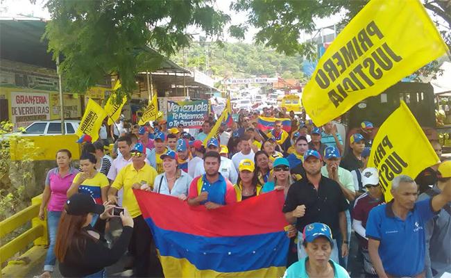 """Opositores protestan """"contra el hambre"""" en oeste de Venezuela"""
