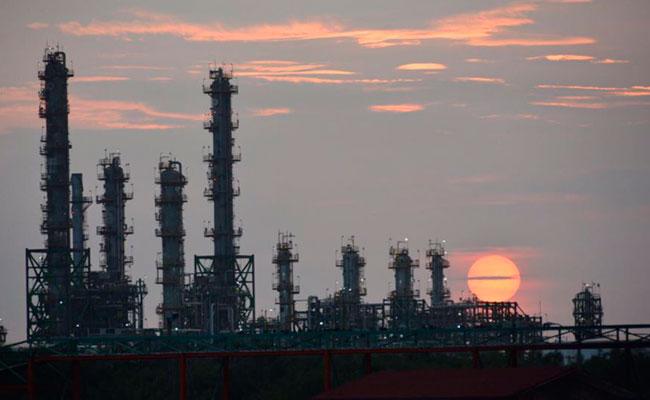 Pemex estima reanudar en julio operaciones en refinería de Salina Cruz