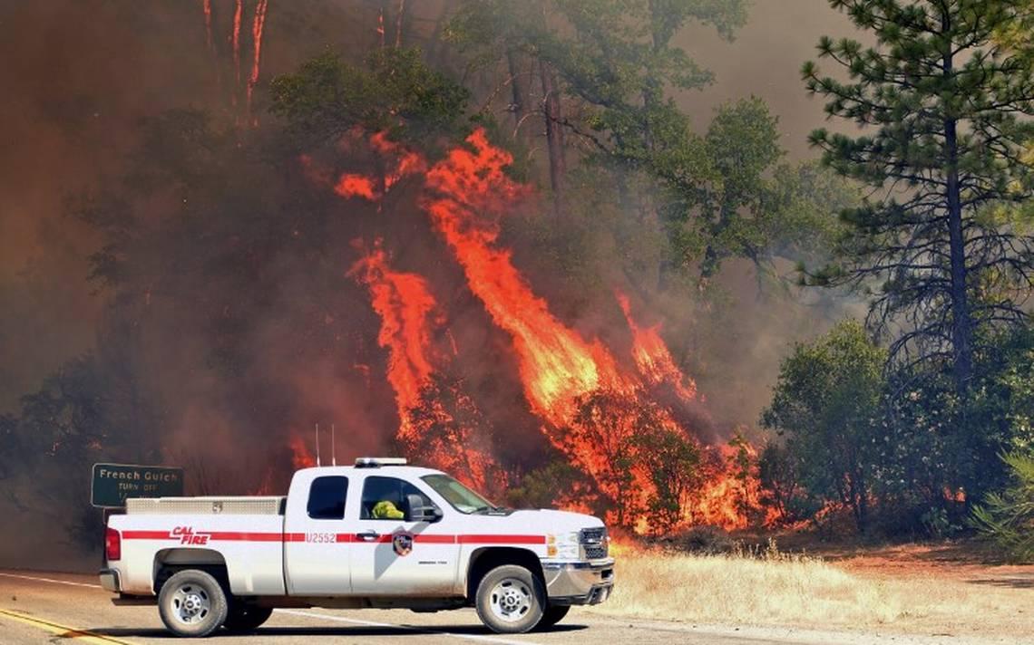Infernal fuego al norte de California quema cerca de 32 mil hectáreas