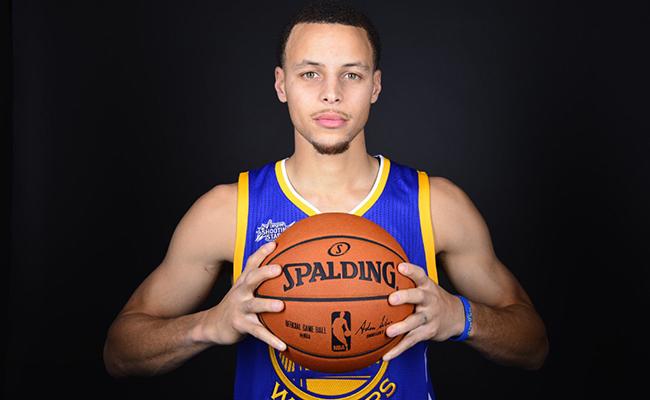 Curry comanda a los nuevos millonarios de la NBA