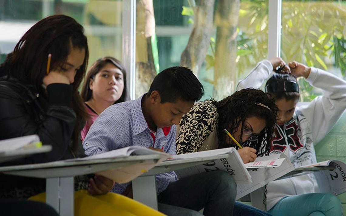 Tres jóvenes obtuvieron el promedio más alto del examen Comipems