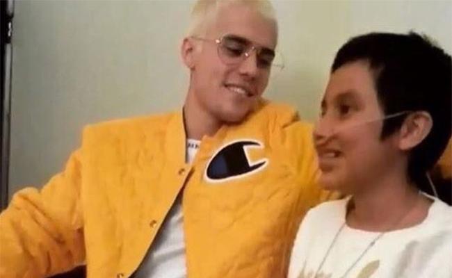 Justin Bieber muestra su lado altruista; visita a niña con cáncer