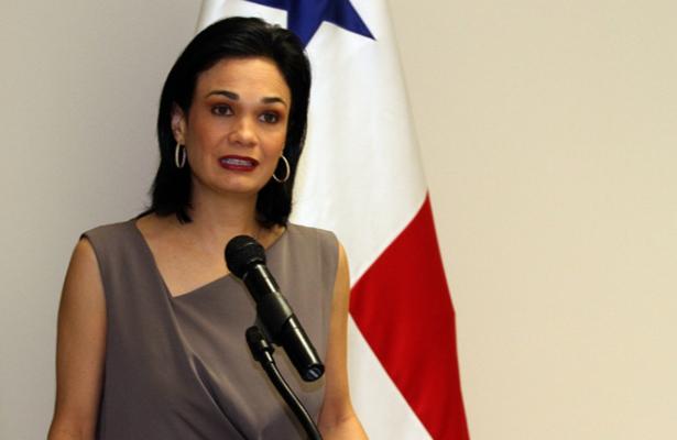 """Panamá reconoce pérdida de mercado, tras los """"papeles"""""""