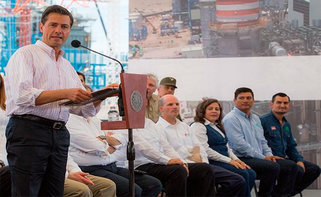 """""""Mi padre dedicó 25 años de su vida a la CFE"""": Enrique Peña Nieto"""