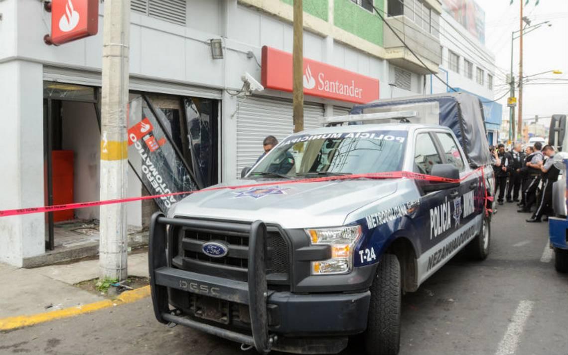 Roban en moto 400 mil pesos; policía en bici los ve y no los sigue