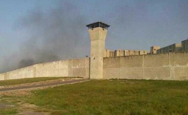 Penal de Cadereyta está bajo control tras motín