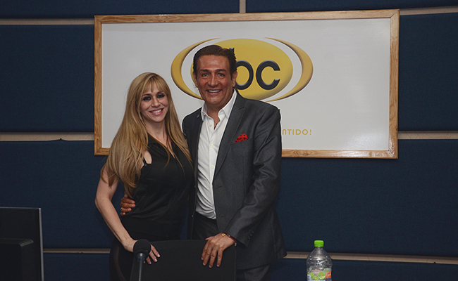 """Noelia, de visita en ABC Radio; dijo que pondrá a México """"A Volar"""""""