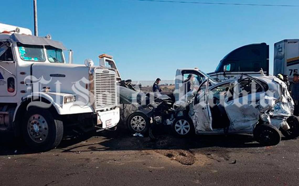 Carambola entre 8 unidades deja al menos 5 heridos en la México-Puebla