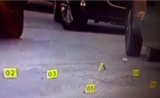 Atacan vehículos estacionados en Monterrey