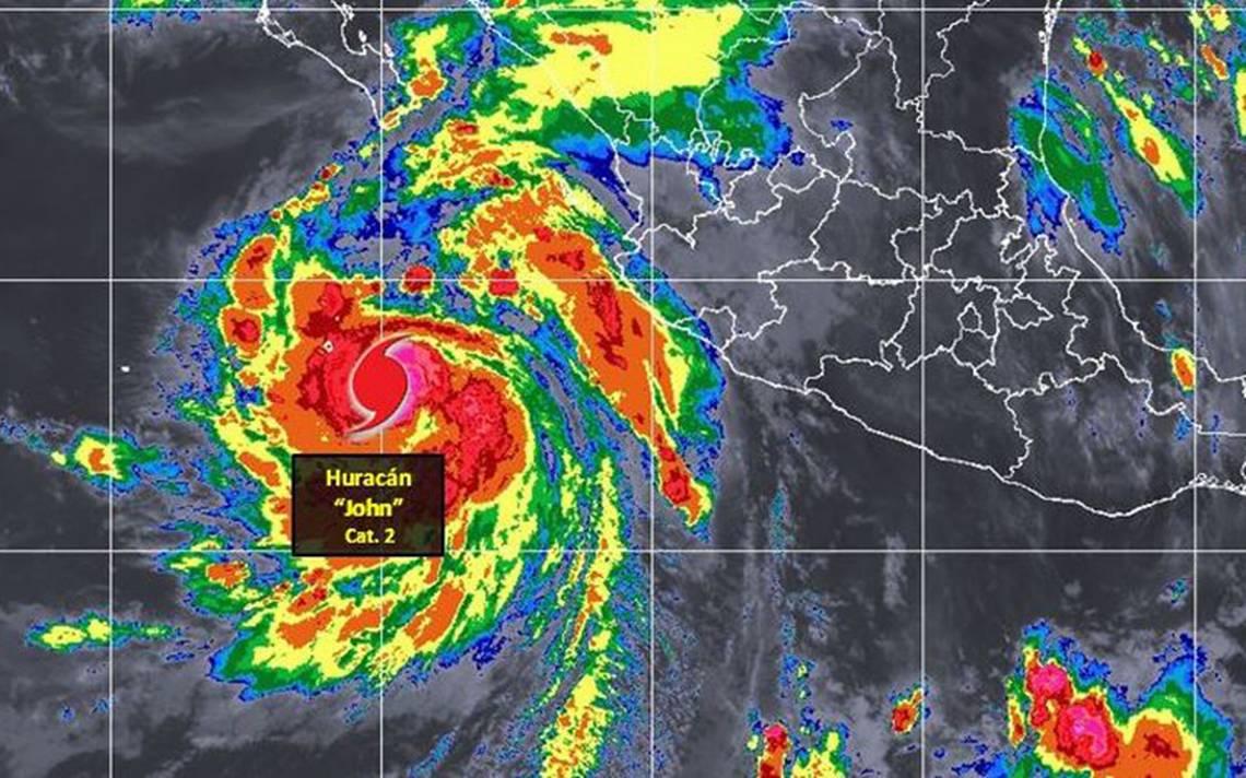 Huracán John se intensifica a categoría 2 en el Pacífico