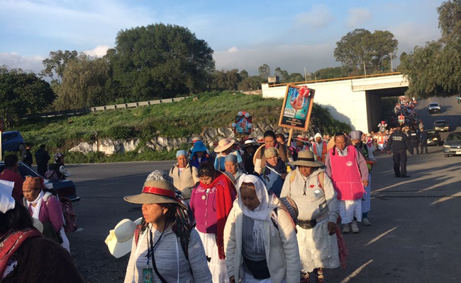 Llegan a Tepeji miles de peregrinos de Querétaro