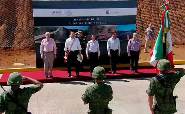 Peña Nieto entrega autopista Tepic-San Blas y libramiento en Nayarit