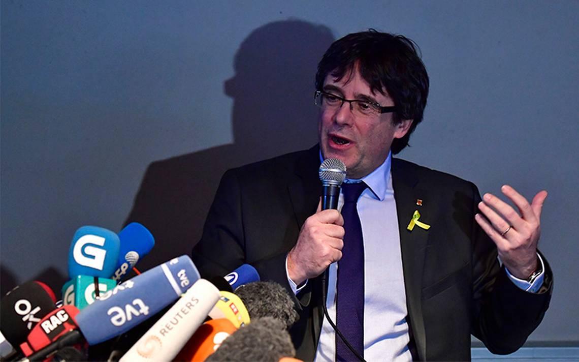 """Puigdemont pide """"nueva estrategia"""" a España y permitir investidura Sánchez"""