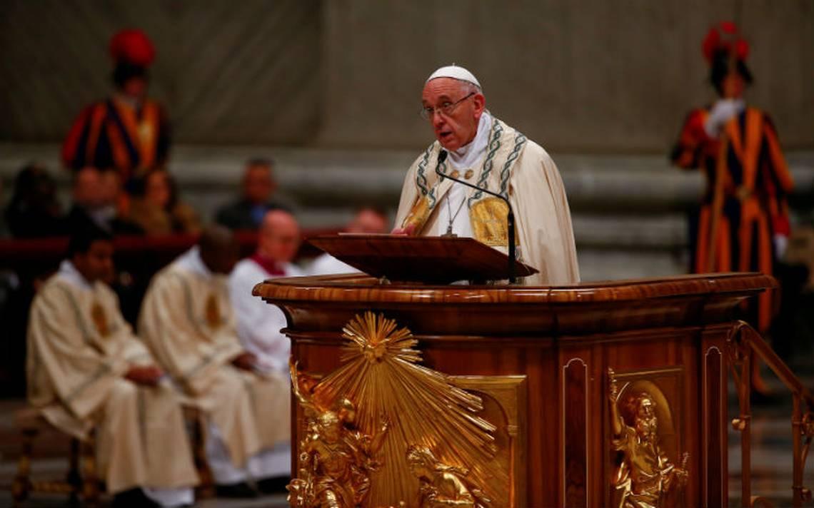 El 2017 fue empañado por guerra y mentiras, afirma el Papa en mensaje de fin de año