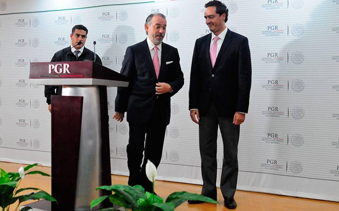 Alberto Elías Beltrán asume titularidad de la PGR tras renuncia de Cervantes