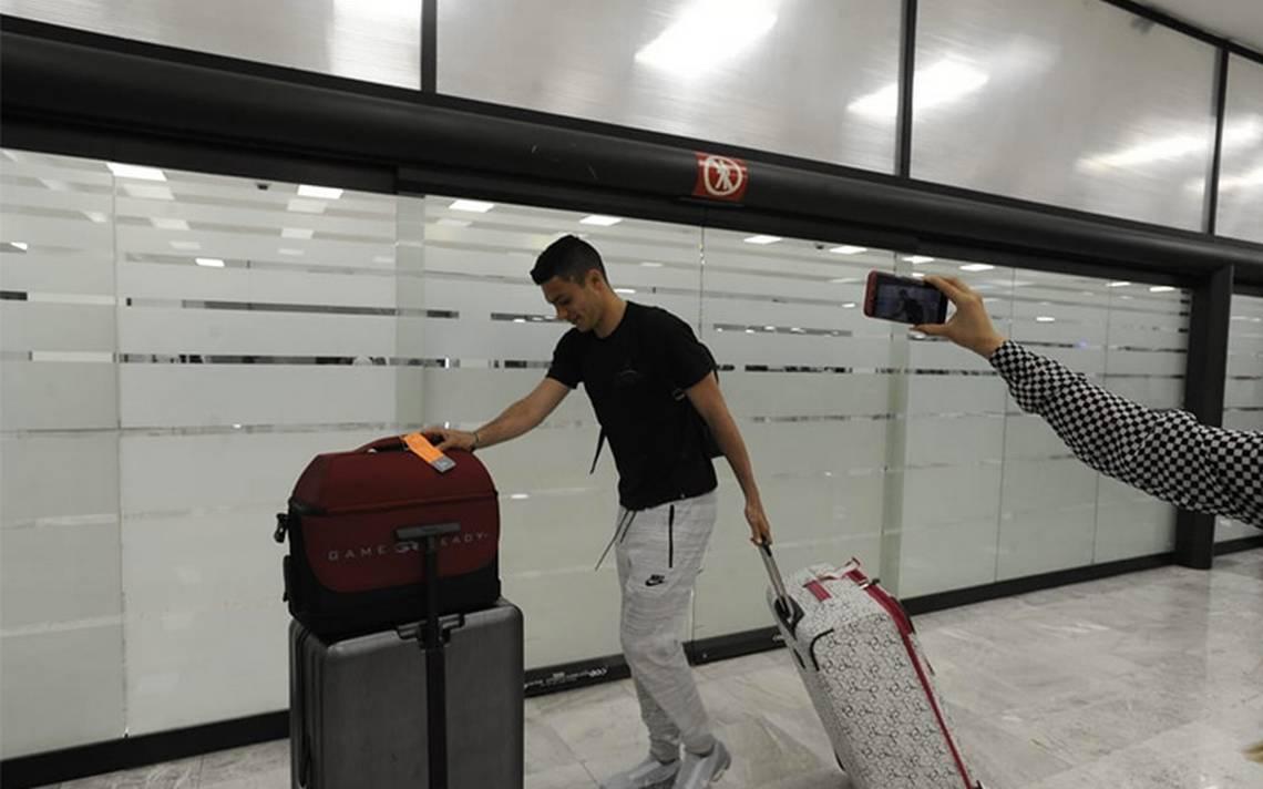 Raúl Jiménez, llega a la CDMX, se tomará unas vacaciones antes de incorporase con el Tricolor