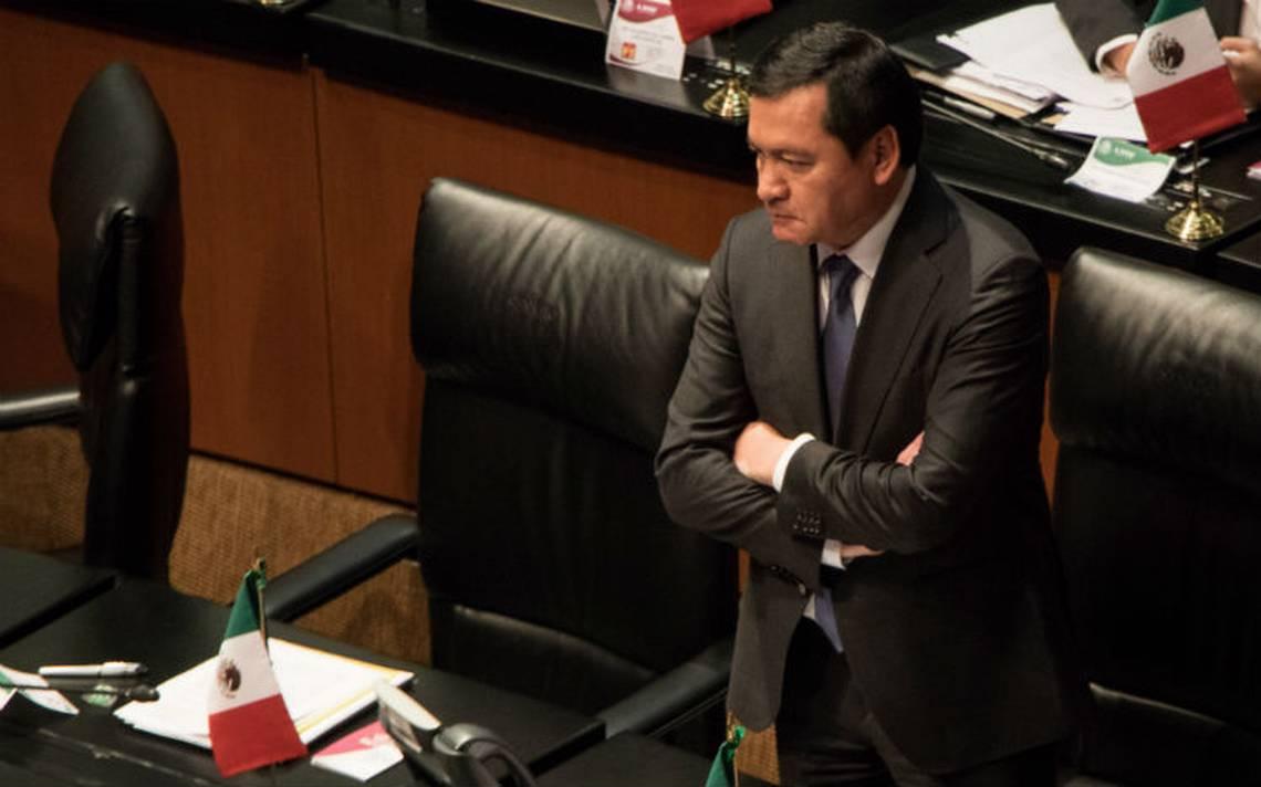 Osorio Chong pide a PGR investigar mejor en caso Ayotzinapa
