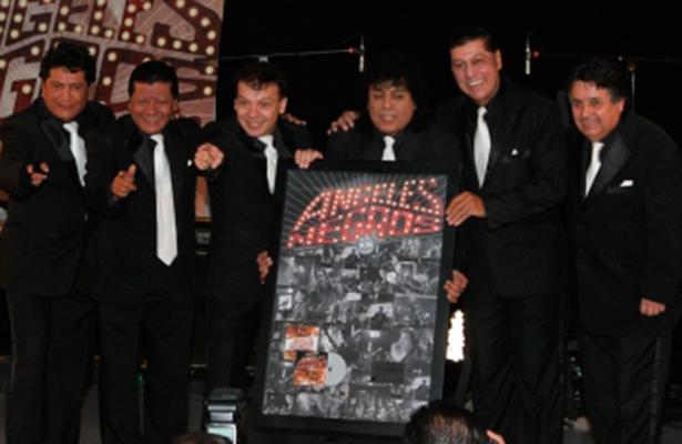 Casi 40 artistas cantarán por México