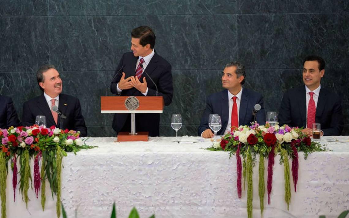 Peña Nieto llama a senadores del PRI a mantener la unidad