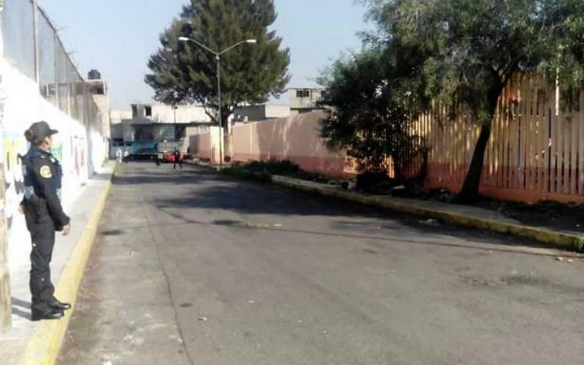 Abandonan feto entre basura en calles de Iztapalapa